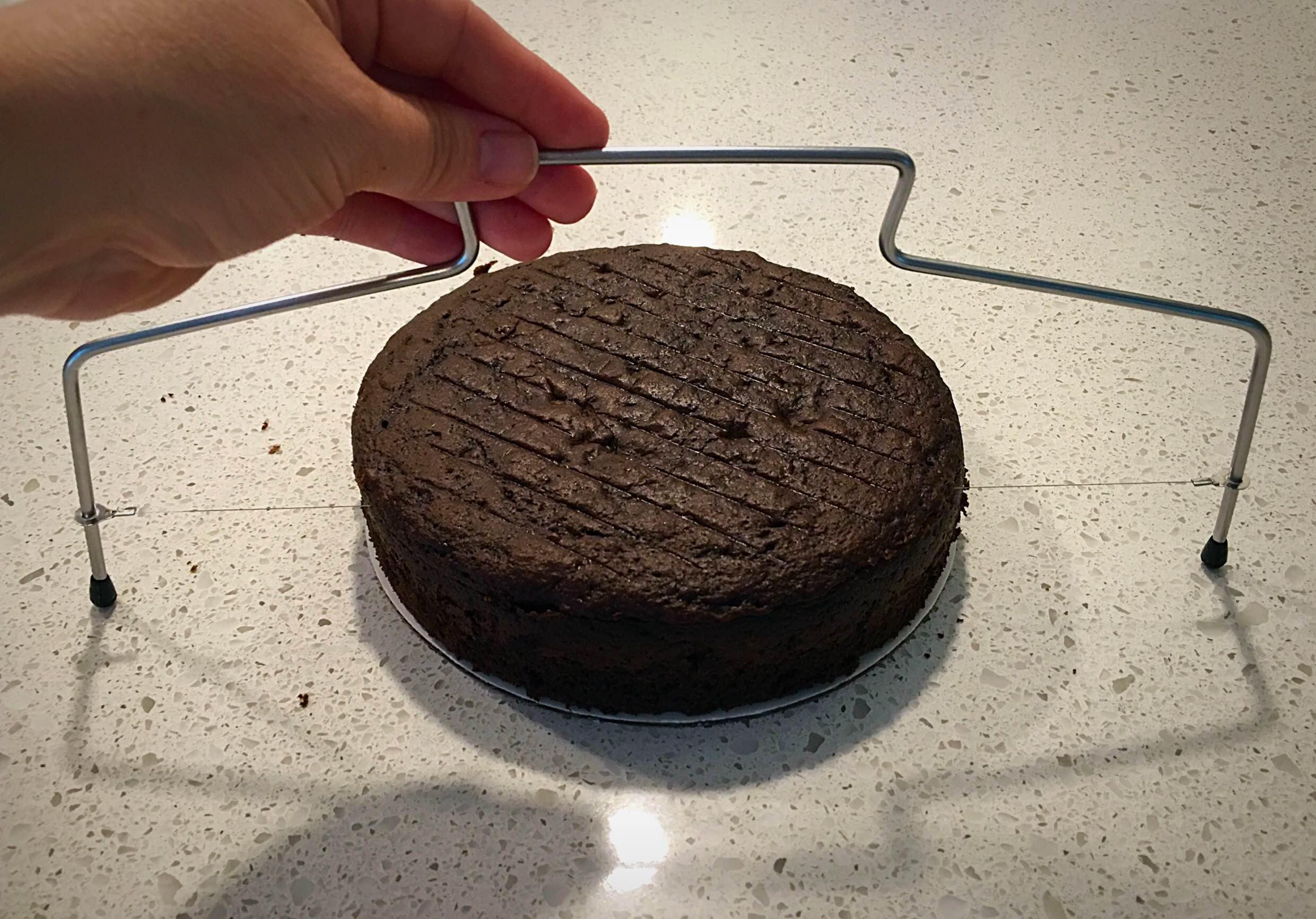 leveling cake